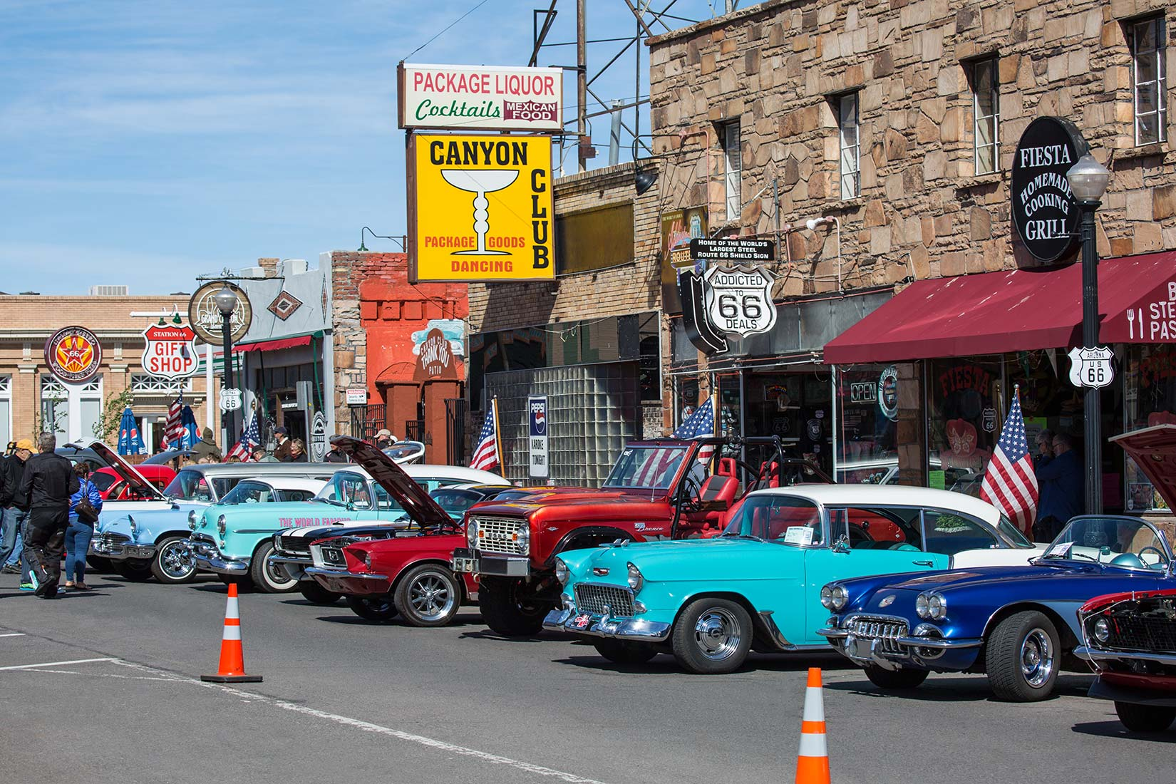 HISTORICAL ROUTE CAR SHOW IN WILLIAMS - Route 66 car show